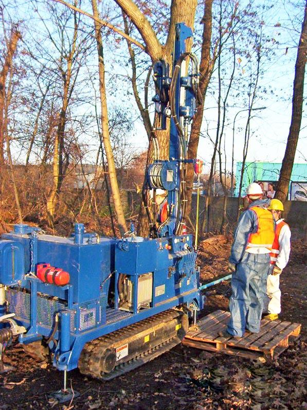 Lhotzky und Partner Predrilling Saugbagger: Erstellung von Grundwassermessstellen